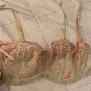 3 Chantelle 32D unlined bras